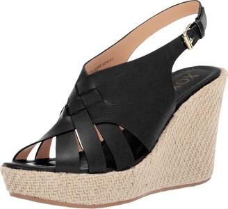 XOXO Women's Lazaro Wedge Sandal