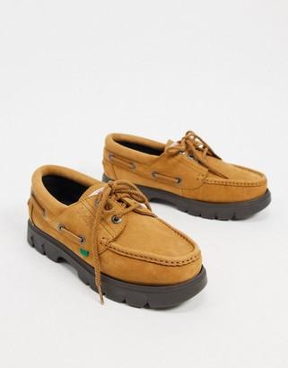 Kickers Lennon boat shoes in tan nubuck