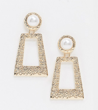 Accessorize Exclusive door knocker earrings with pearl in gold