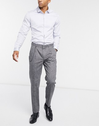 Shelby & Sons tapered cropped trouser in light grey wool with single pleat and chain