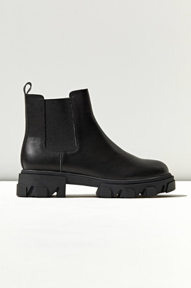 Urban Outfitters Lorenzo Chunky Chelsea Boot