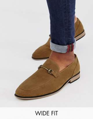 Asos Design DESIGN Wide Fit loafers in tan faux suede with snaffle