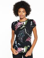 Ted Baker Fit To A T Eden Printed Tee