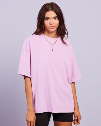 Dazie - Women's Purple Basic T-Shirts - Nostalgia Oversized Boyfriend Tee - Size 6 at The Iconic