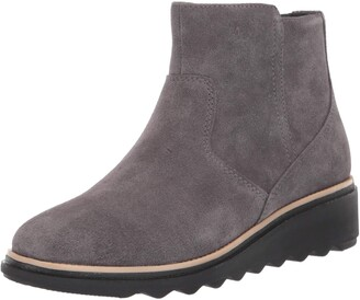 Clarks womens Sharon Swing Ankle Boot