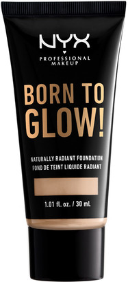 NYX Born To Glow Naturally Radiant Foundation 30Ml Alabaster