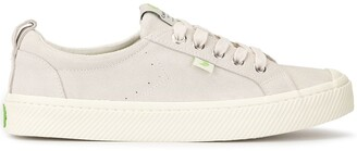 Cariuma OCA Low Off White Suede Sneaker