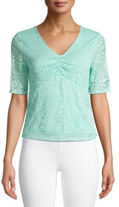 No Boundaries Juniors' Cinched V-Neck Quarter Sleeve Lace Top