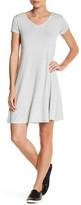 Cable & Gauge V-Neck Crisscross Back Solid Dress (Petite)