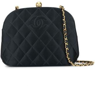 Chanel Pre-Owned diamond quilted crossbody bag