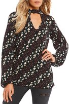 Jessica Simpson Tanie Floral Printed Choker Neck Long Sleeve Peasant Top