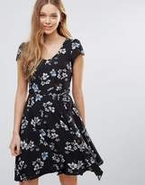 Yumi Floral Print Dress With Front Tie