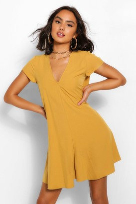 boohoo Woven V Neck Shift Dress