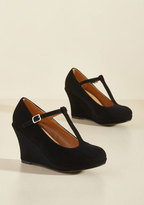 ModCloth Dashing to Dinner Wedge in Black in 6