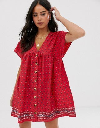 Influence button through smock dress in border print-Red