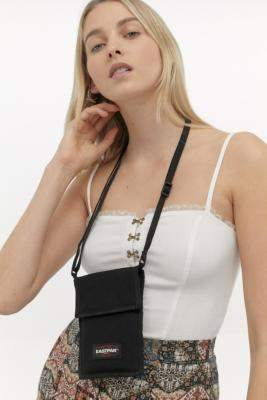 Eastpak Cullen Mini Crossbody - black at Urban Outfitters