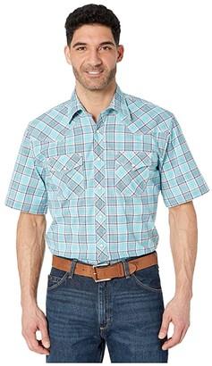 Wrangler 20X Short Sleeve Plaid Snap (Light Blue/Navy) Men's Clothing