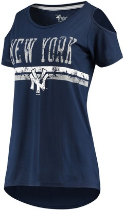 New York Yankees Women's G-III 4Her by Carl Banks Navy Clear The Bases Cold Shoulder Scoopneck T-shirt