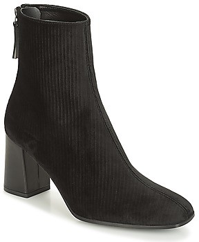 Paco Gil CLARA women's Low Ankle Boots in Black
