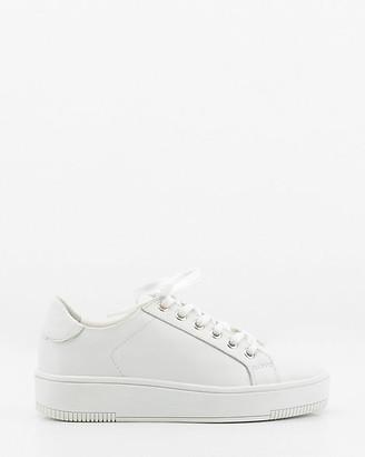Le Château Leather Lace-Up Sneaker