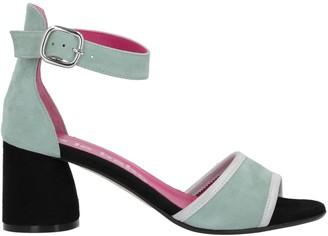 Le Babe Sandals
