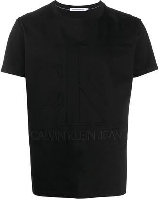 Calvin Klein Jeans textured logo T-shirt