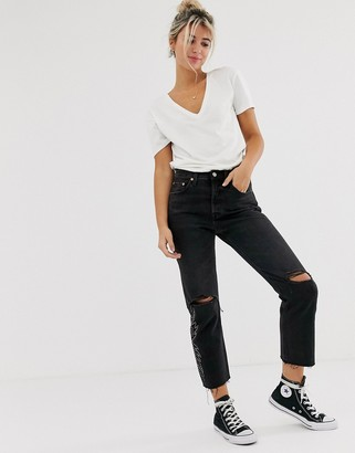 Levi's 501 crop jeans with knee rip-Black