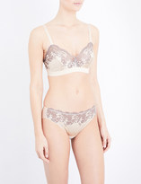 Wacoal Embroiderd lace soft-cup bra
