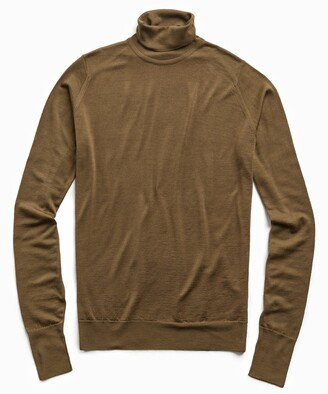 John Smedley Sweaters Easy Fit Turtleneck in Khaki