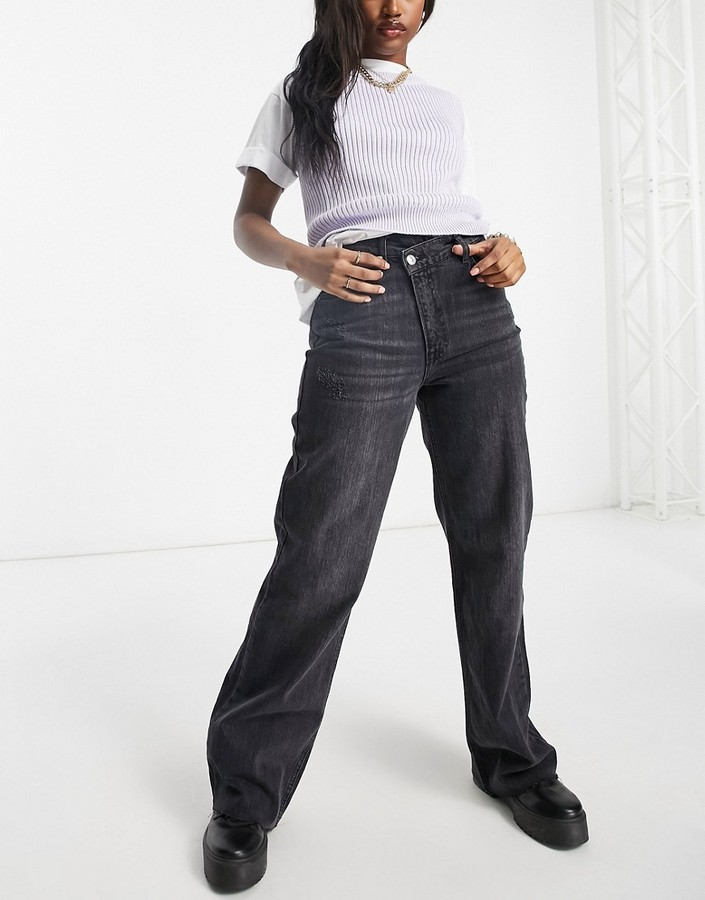 Thumbnail for your product : Stradivarius stepped waist dad jean in washed black