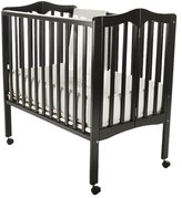 Dream On Me Lightweight 2-in-1 Portable Folding Crib