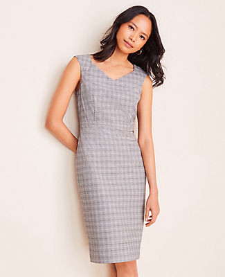 Ann Taylor The Petite V-Neck Dress in Plaid