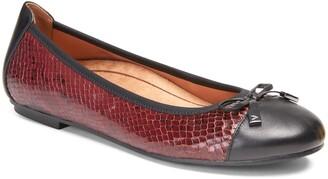 Vionic 'Minna' Leather Flat