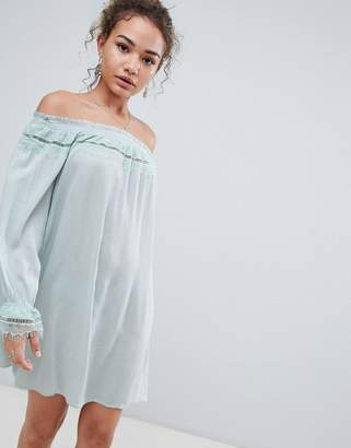 En Creme off shoulder long sleeve dress with lace trim-Green