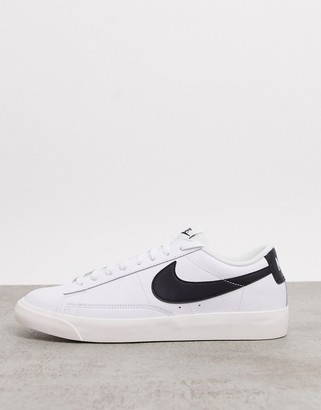 Nike Blazer Low Leather trainers in white/black