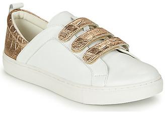 Karston TAPOU women's Shoes (Trainers) in White