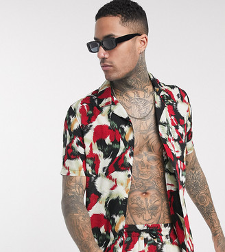 Religion Tall revere collar all over print short sleeve shirt in red