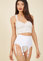 Sassiest Support Contouring Garter Belt in White in S