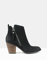 betts Praire Double Sided Zip Ankle Boots