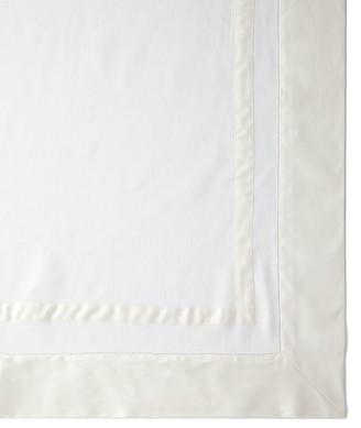 "Sferra Tipton Oblong Tablecloth, 66"" x 106"""