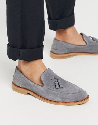 Asos DESIGN loafers in gray suede with tassel on natural sole