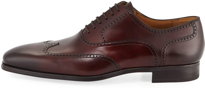 Magnanni Wingtip Leather Lace-Up Shoe