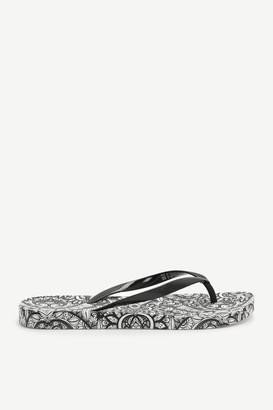 Ardene Paisley Rubber Flip-Flops