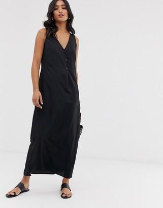 Vero Moda maxi dress with button detail-Black