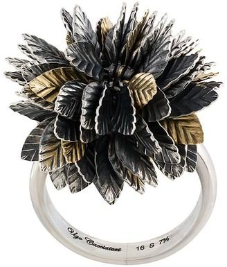 Ugo Cacciatori 3D leaf detail ring