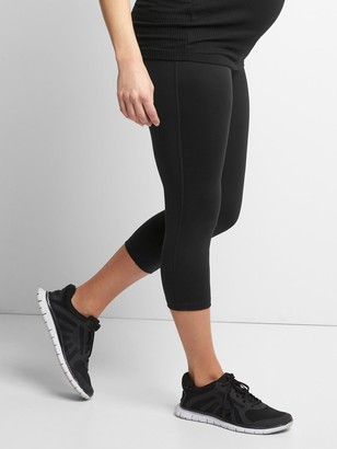 Gap Maternity GapFit Blackout Full Panel Capris