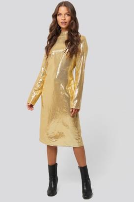 NA-KD High Neck Straight Sequins Dress Gold