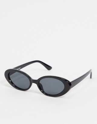 Noisy May oval retro sunglasses in black