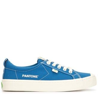 Cariuma x Pantone OCA Low Pantone Classic Blue Canvas Contrast Thread Sneaker