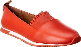 Gentle Souls By Kenneth Cole Luca Ruffle Leather Flat